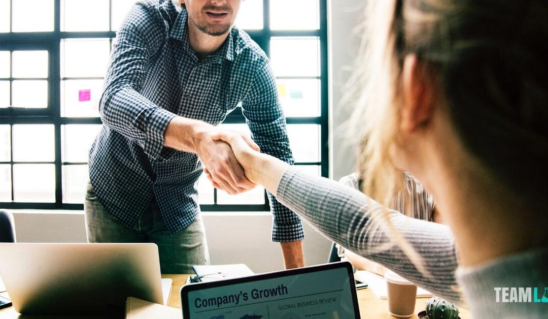 Csapatépítő ötletek, amik összehozzák a munkavállalókat
