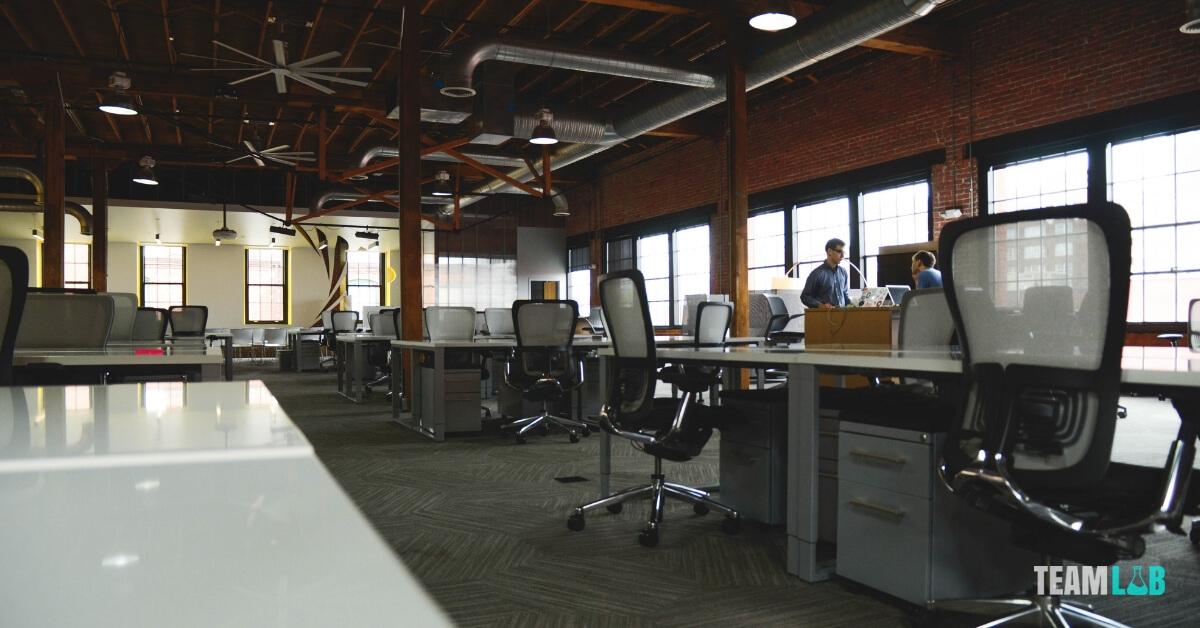 munkaerő megtartása az irodai környezet segítségével