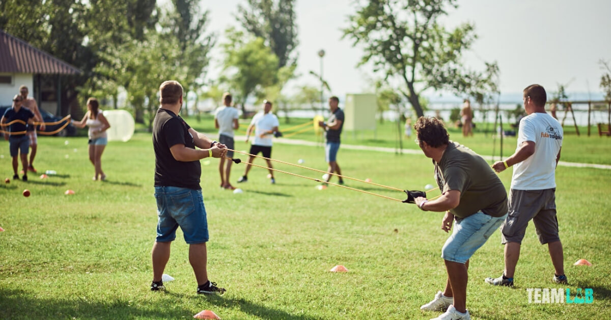 kültéri csapatépítő programok